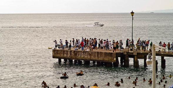Los Muertos Pier