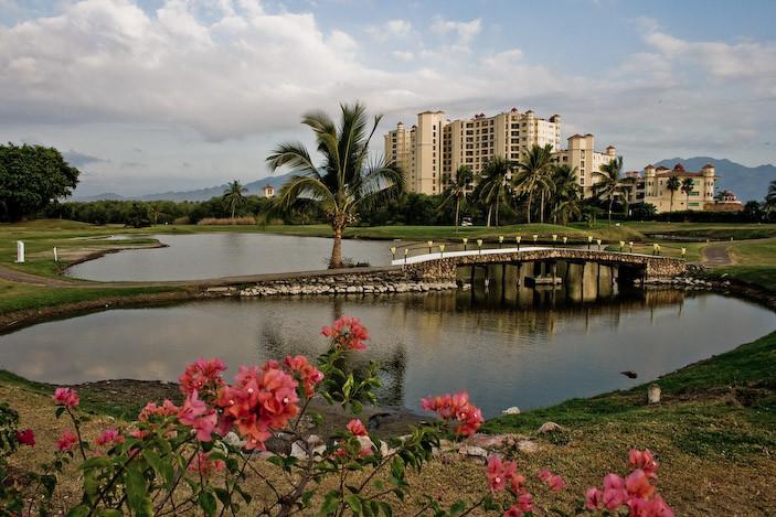 Golf Lake